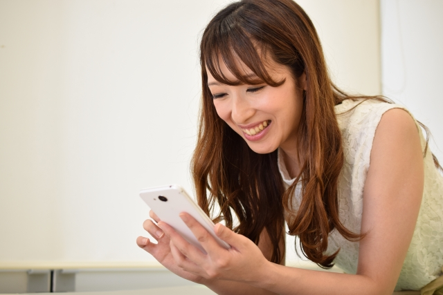 【2018】婚活アプリの30代女性におすすめは?無料・有料別に7つのマッチングアプリを紹介