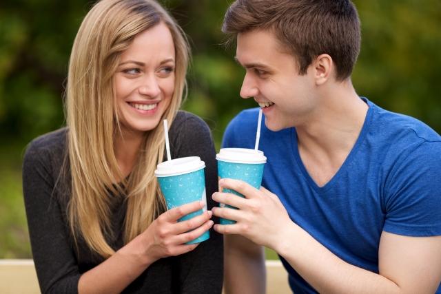 映画デートは「付き合う前」はアリ?誘われたら「脈あり」!手をつなぐチャンス