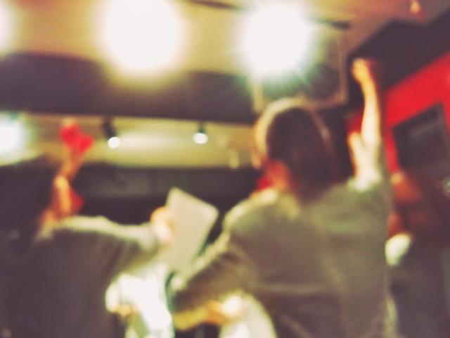 【必見】合コン二次会のカラオケでモテるには選曲が重要!おすすめ12曲!盛り上がりが大事
