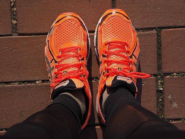 オレンジの靴