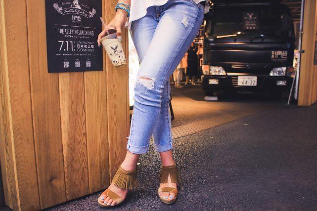 合コンでの女性の服装のパンツスタイル