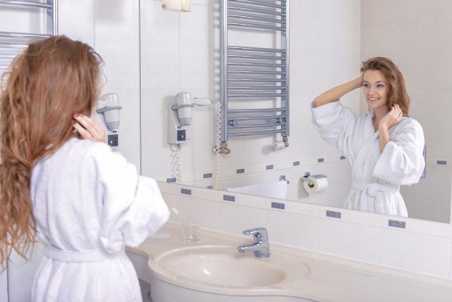 清潔感を考える女性