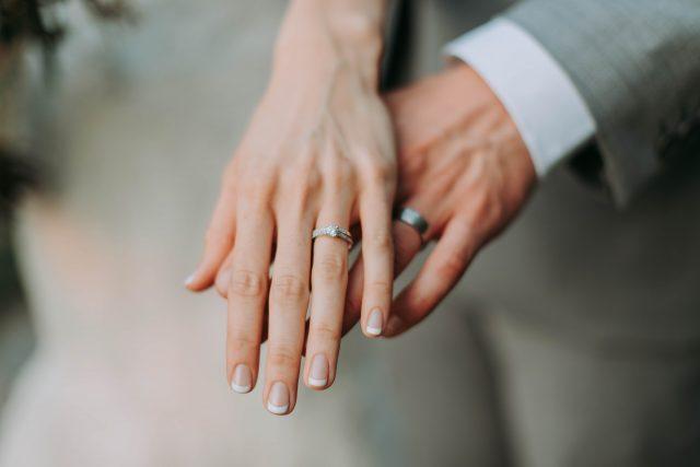 婚活アプリで結婚