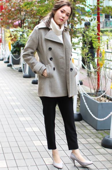カジュアルな飲み会での女性の冬の服装
