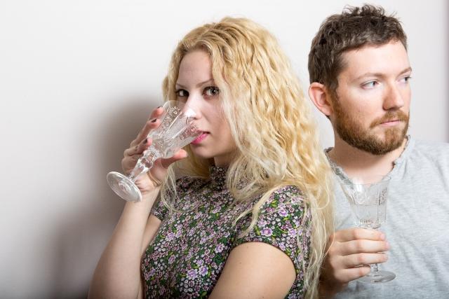 飲み会でキスした男性の本気度を確かめる方法
