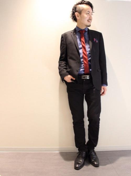 休日の30代男性のフォーマルな服装②