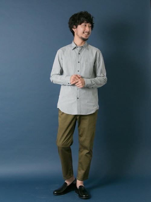 休日の40代男性のカジュアルな服装②