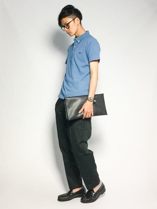 休日の20代男性のカジュアルな服装①