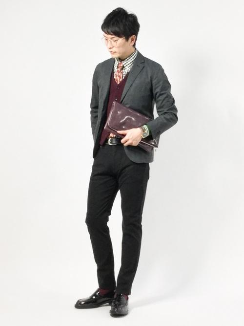 休日の20代男性のフォーマルな服装①