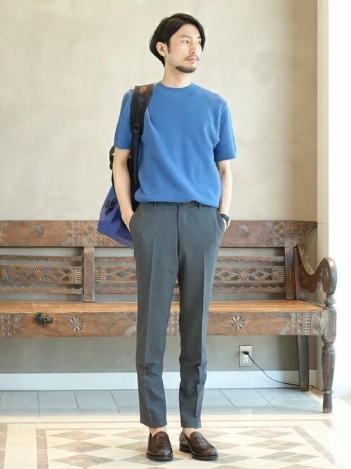 休日の30代男性のカジュアルな服装②