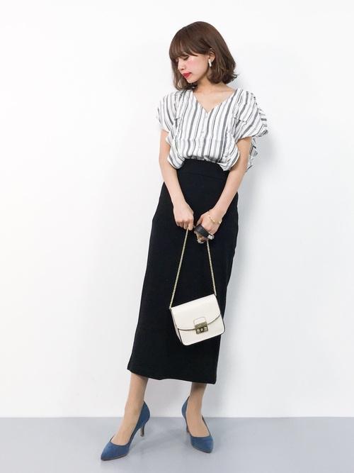 平日の20代女性の服装②