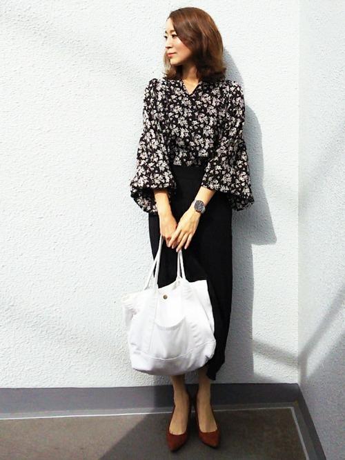 休日の40代女性のカジュアルな服装③