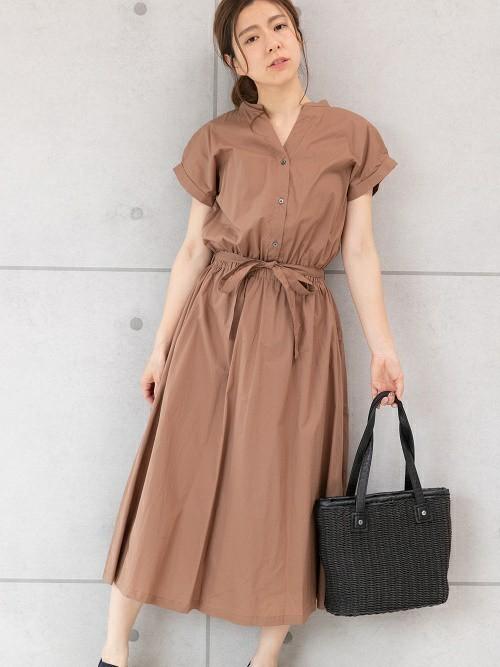 休日の40代女性のカジュアルな服装①
