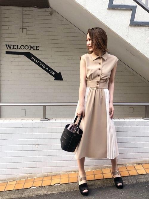 平日の20代女性の服装①
