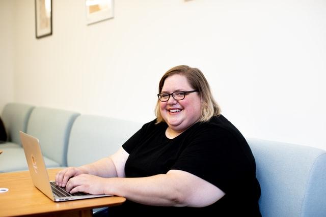 太っている女性