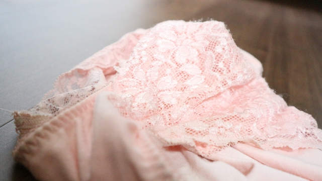 ピンク色の下着